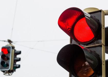 Насколько оштрафуют за игнорирование красного сигнала светофора?