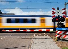 Что грозит водителю, который неправильно переезжает ЖД-пути?