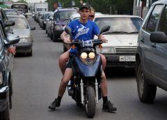 Какой штраф выпишут водителю мототранспорта, не одевшему шлем?